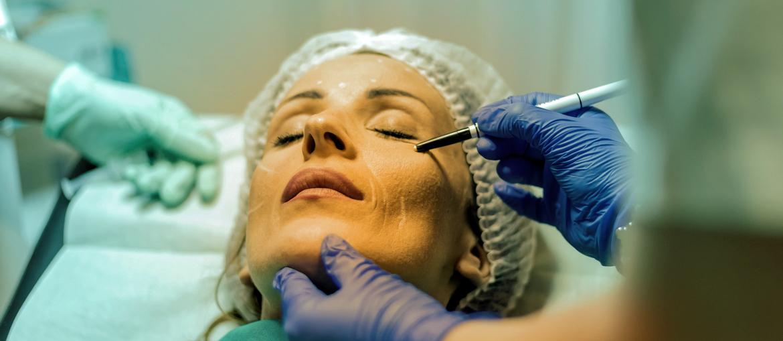 Dê um Up na autoestima com o consórcio de Cirurgia Plástica