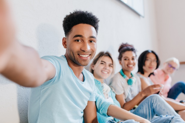 Porque os jovens devem investir em consórcio o quanto antes