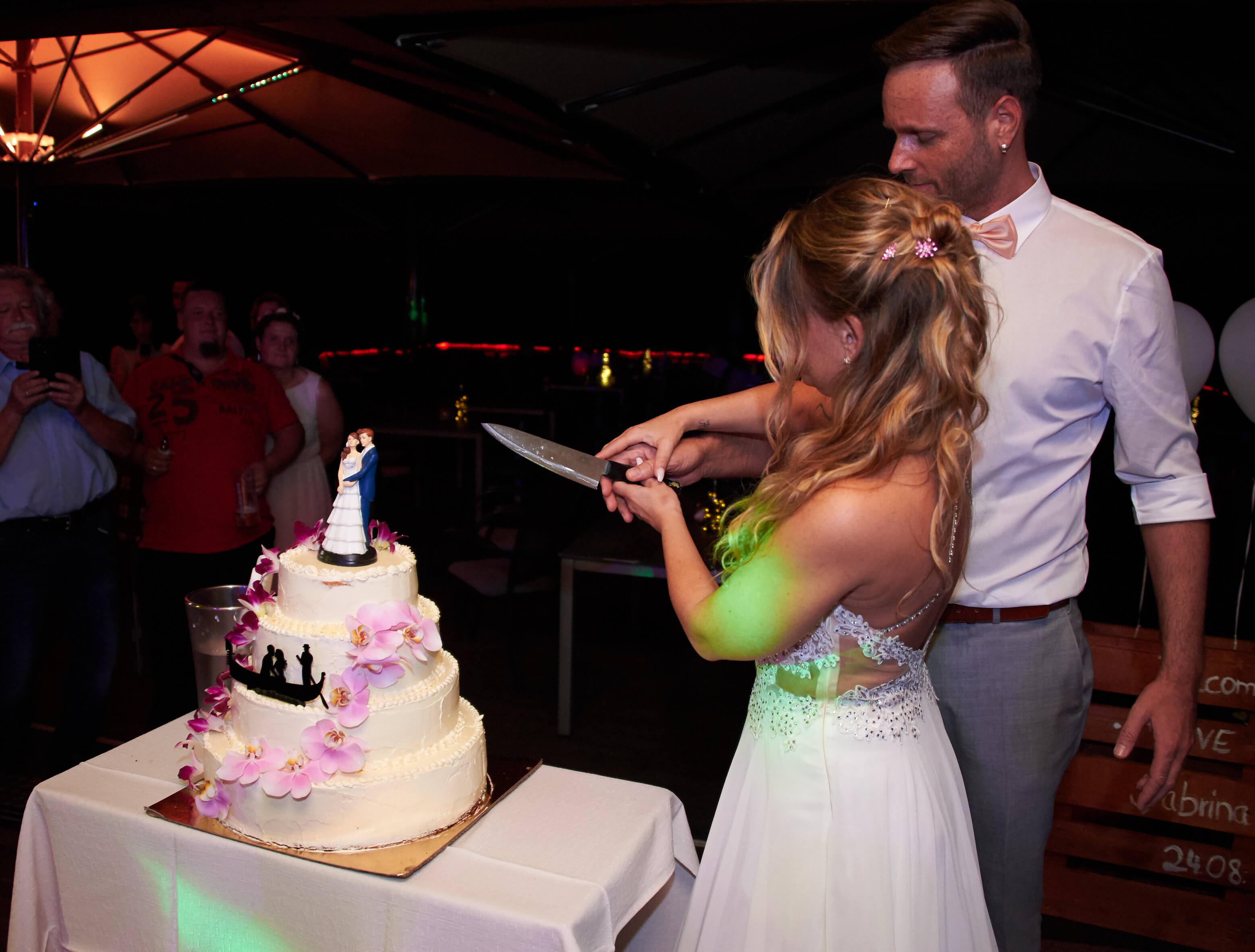 Tortenanschnitt Hochzeit