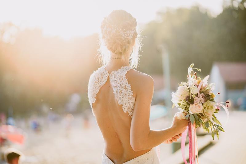 Braut im Sonnenschein