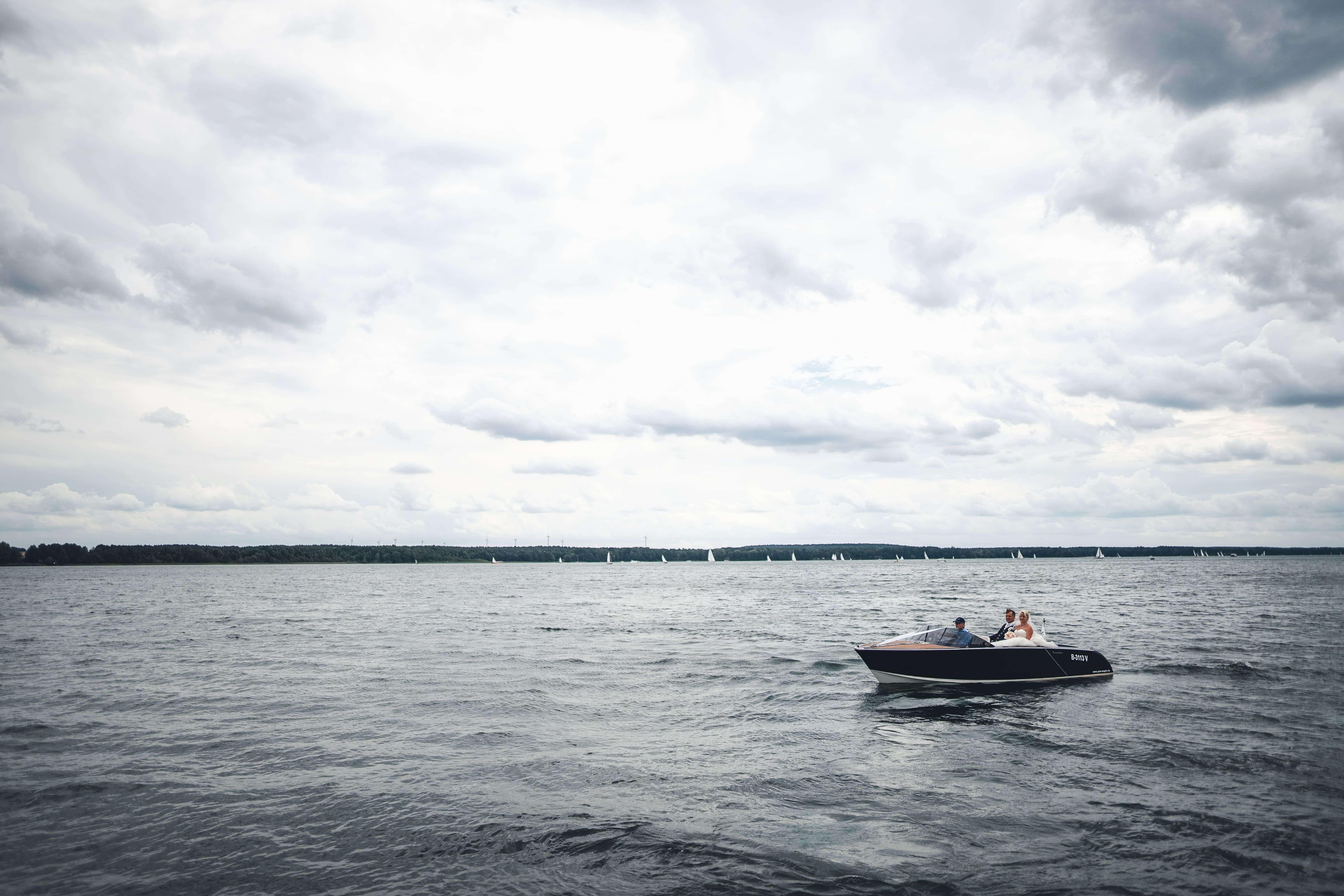 Boot auf Hochzeit