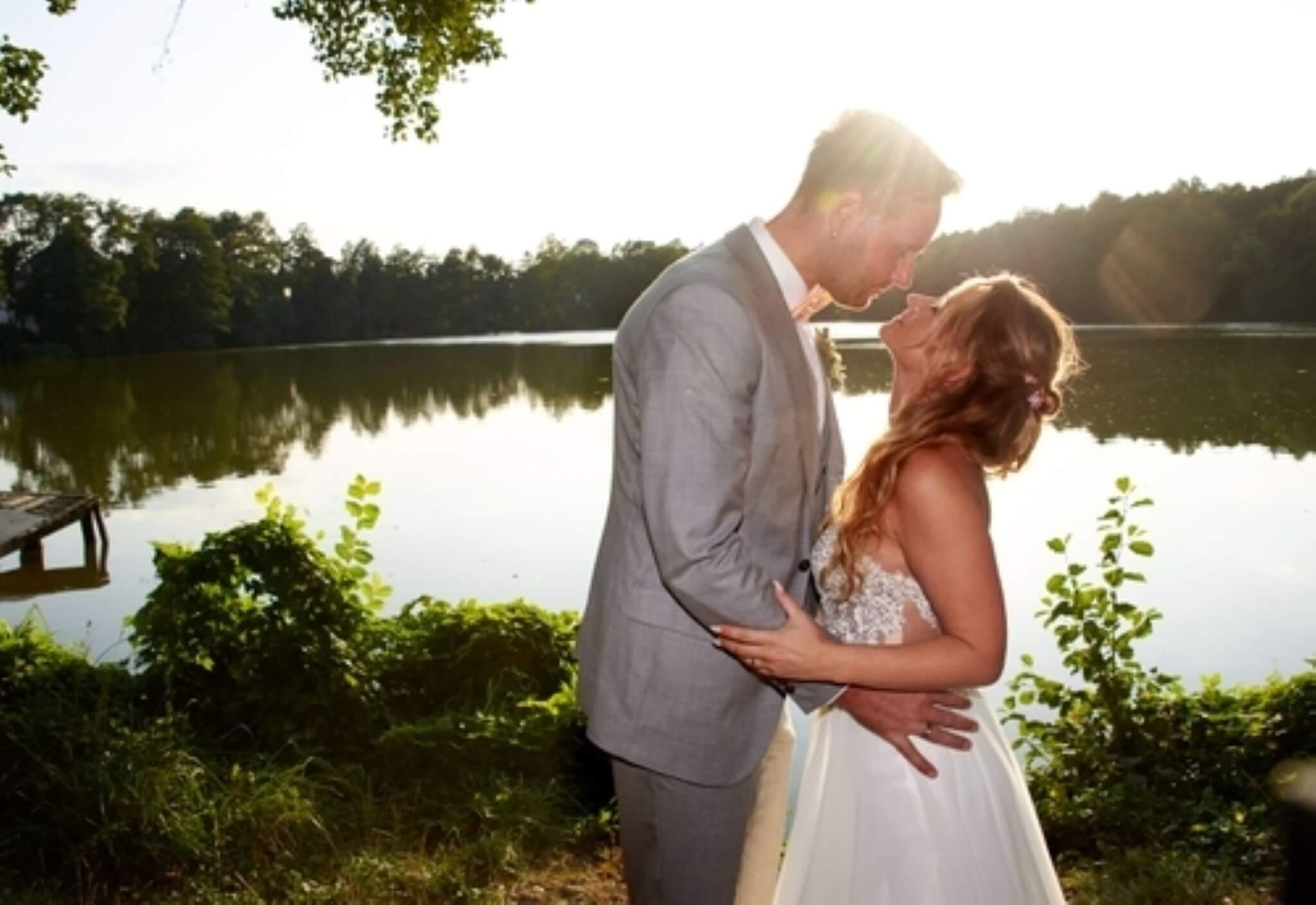 Romantische Trauung und eine wilde Hochzeitsfeier am Boddensee