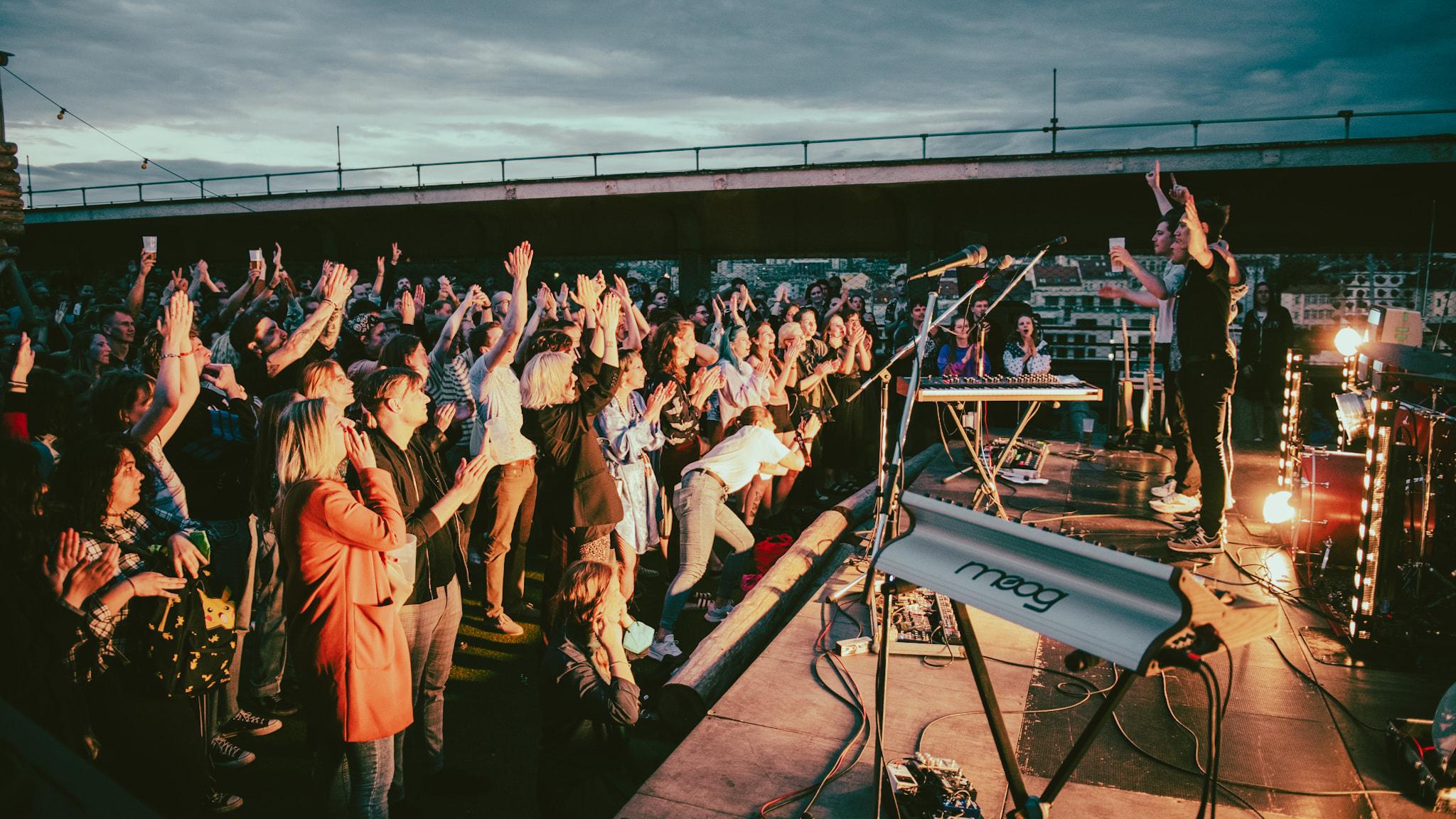 koncert na střeše RADOST