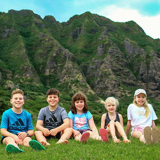 Koolau Mountains, Children on the Hi5 Hawaii Circle Island Adventure
