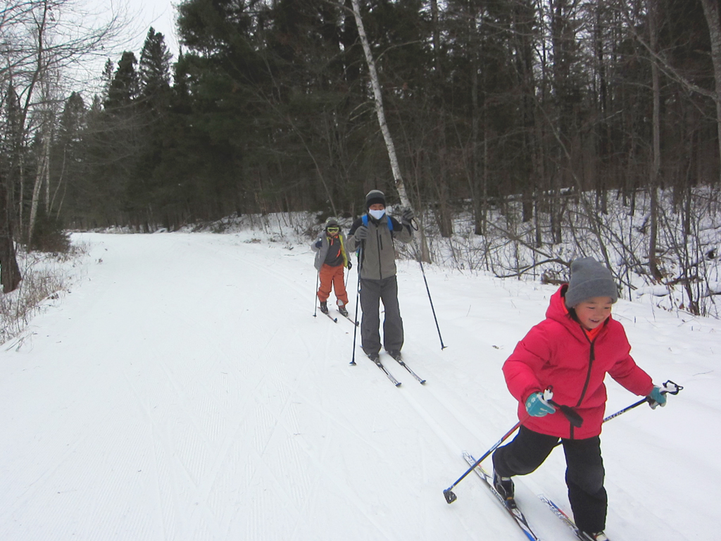 kids skiing at the Blue Hills Trail in Wisconsin