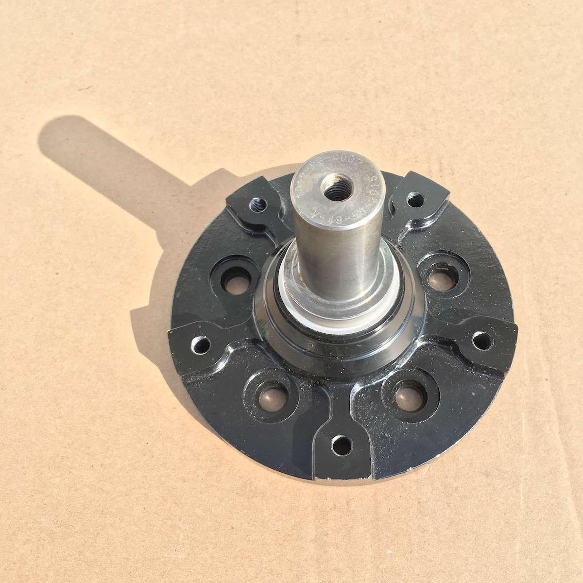 Camso hub spindle