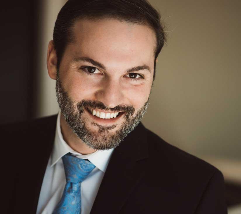 Photo of Dr. Daniel Leach