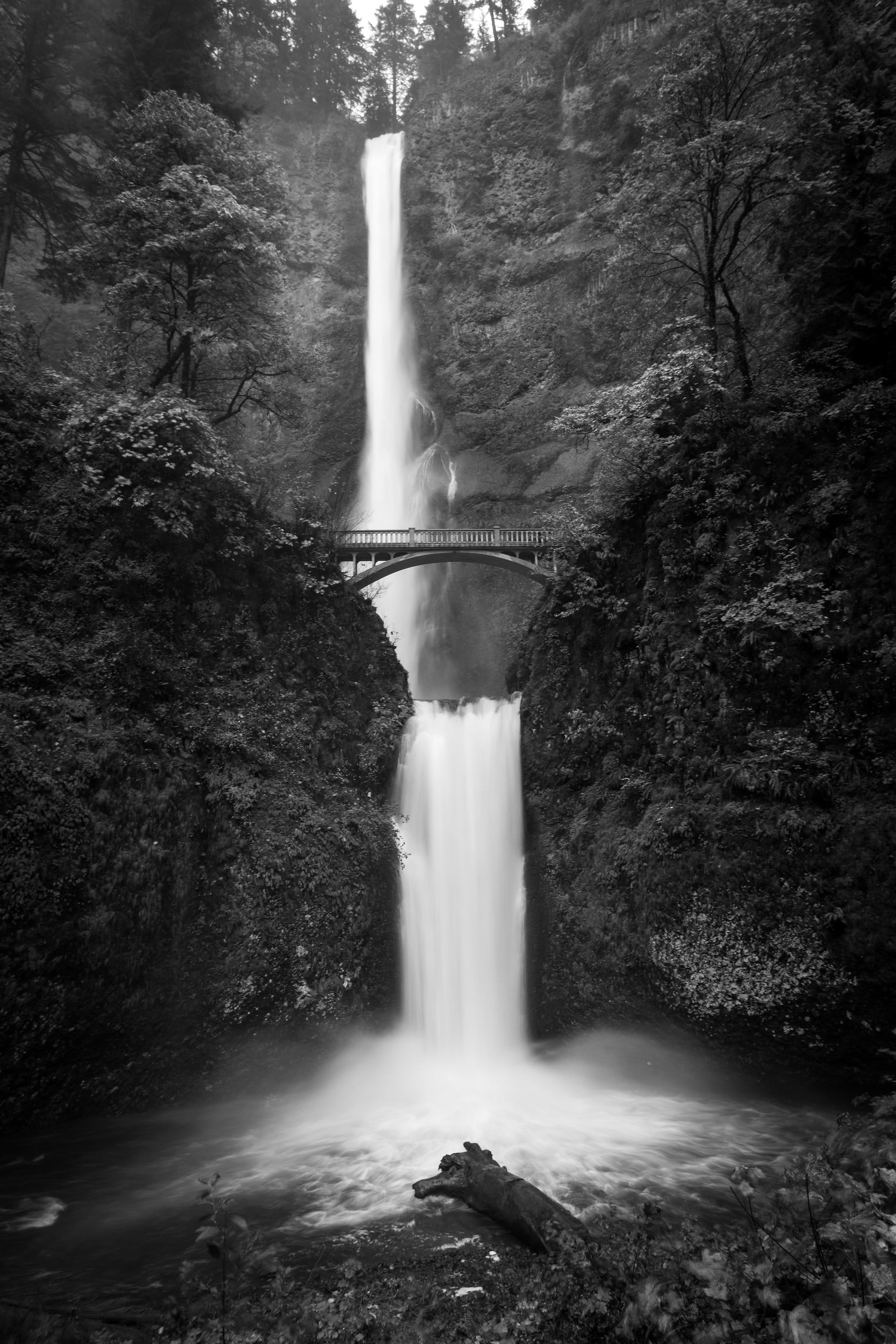 Thin Waterfall - Daniel Berman Photograhy