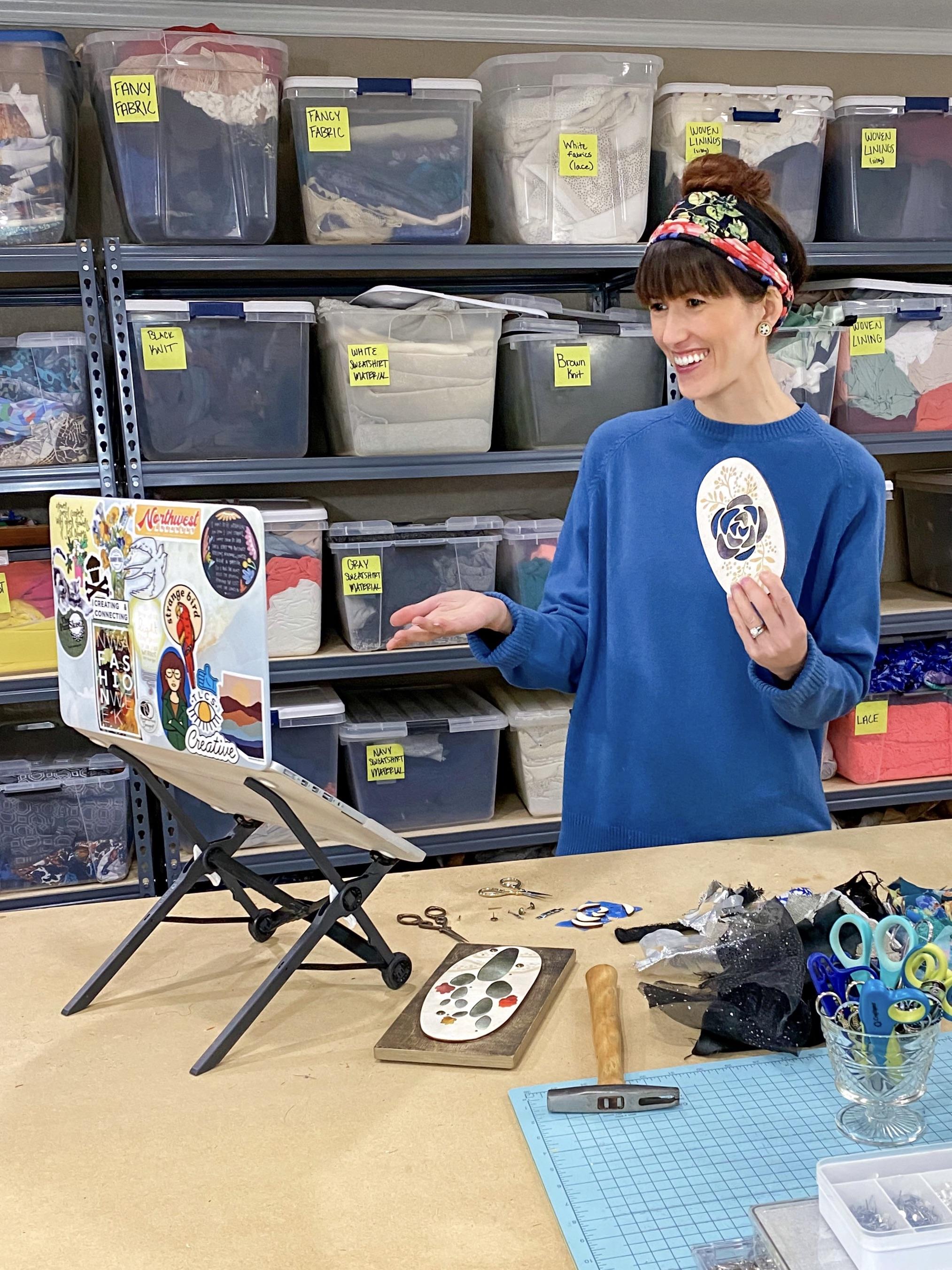 Alyssa Bird teaching a virtual DIY textile and wood wall art class on the computer