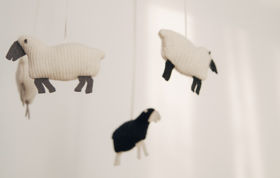 Mobile knitted sheep