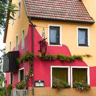 Individueller Fassadenanstrich von der Maler Werkstätte Scheuerle