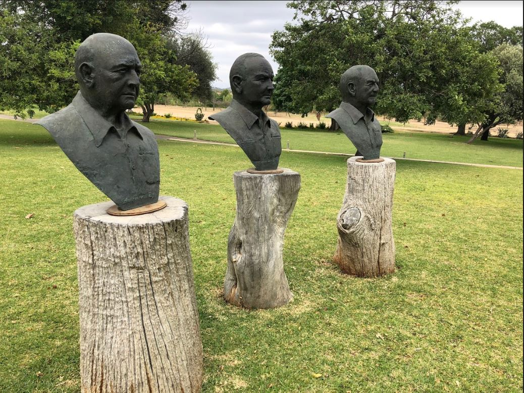ZZ2 Founder Statues