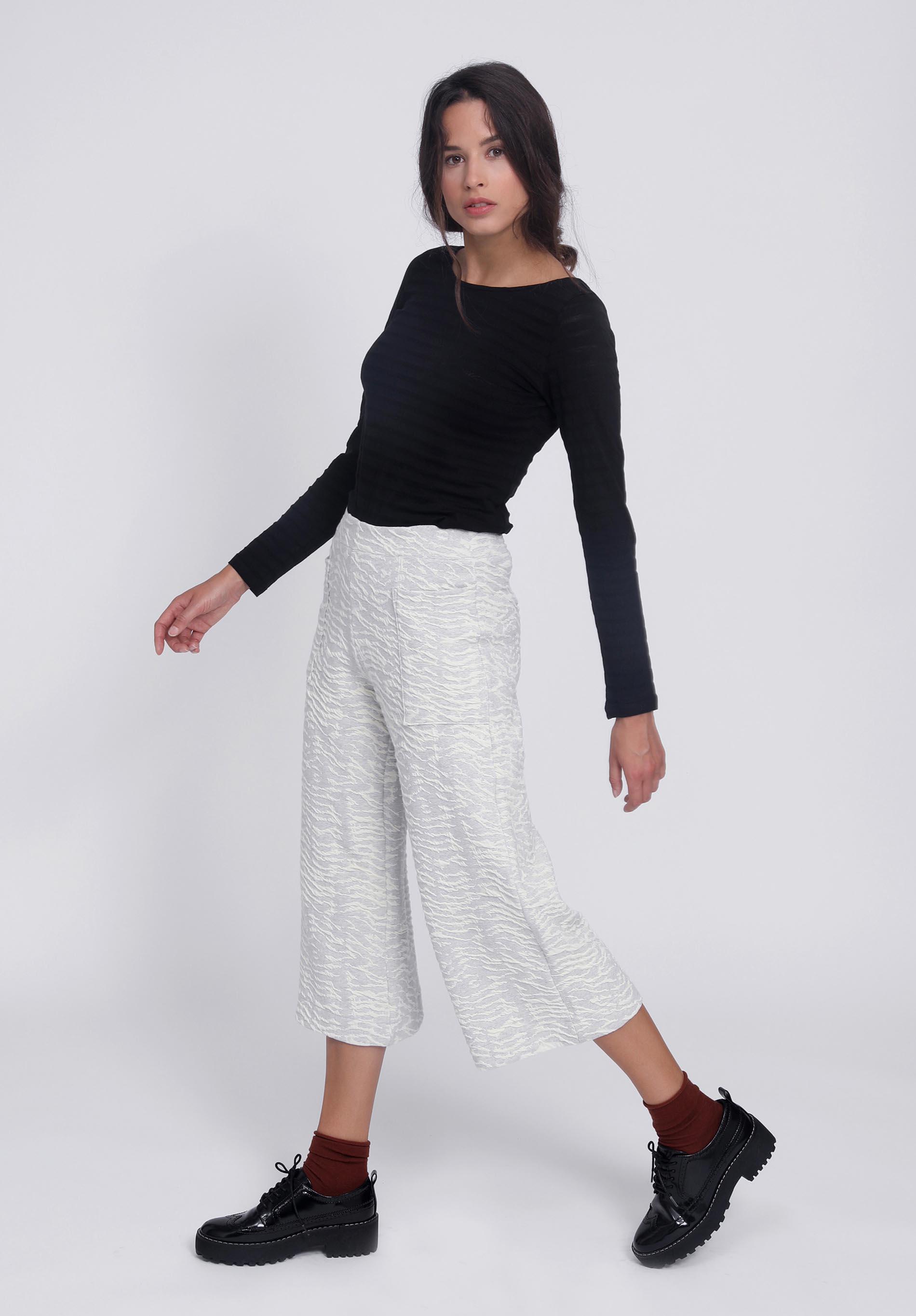 Culotte CAELUM ecru, Top METEORUM black organic cotton
