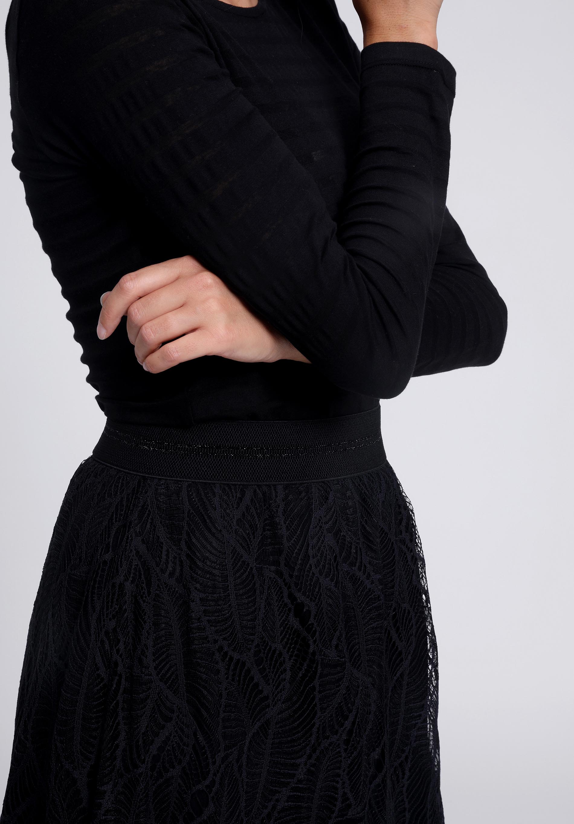 Skirt TARU black recycled Lace