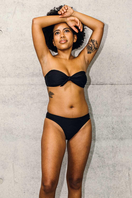 LOvjoi Nachhaltiger trägerloses Bikini Top und Bikinihose