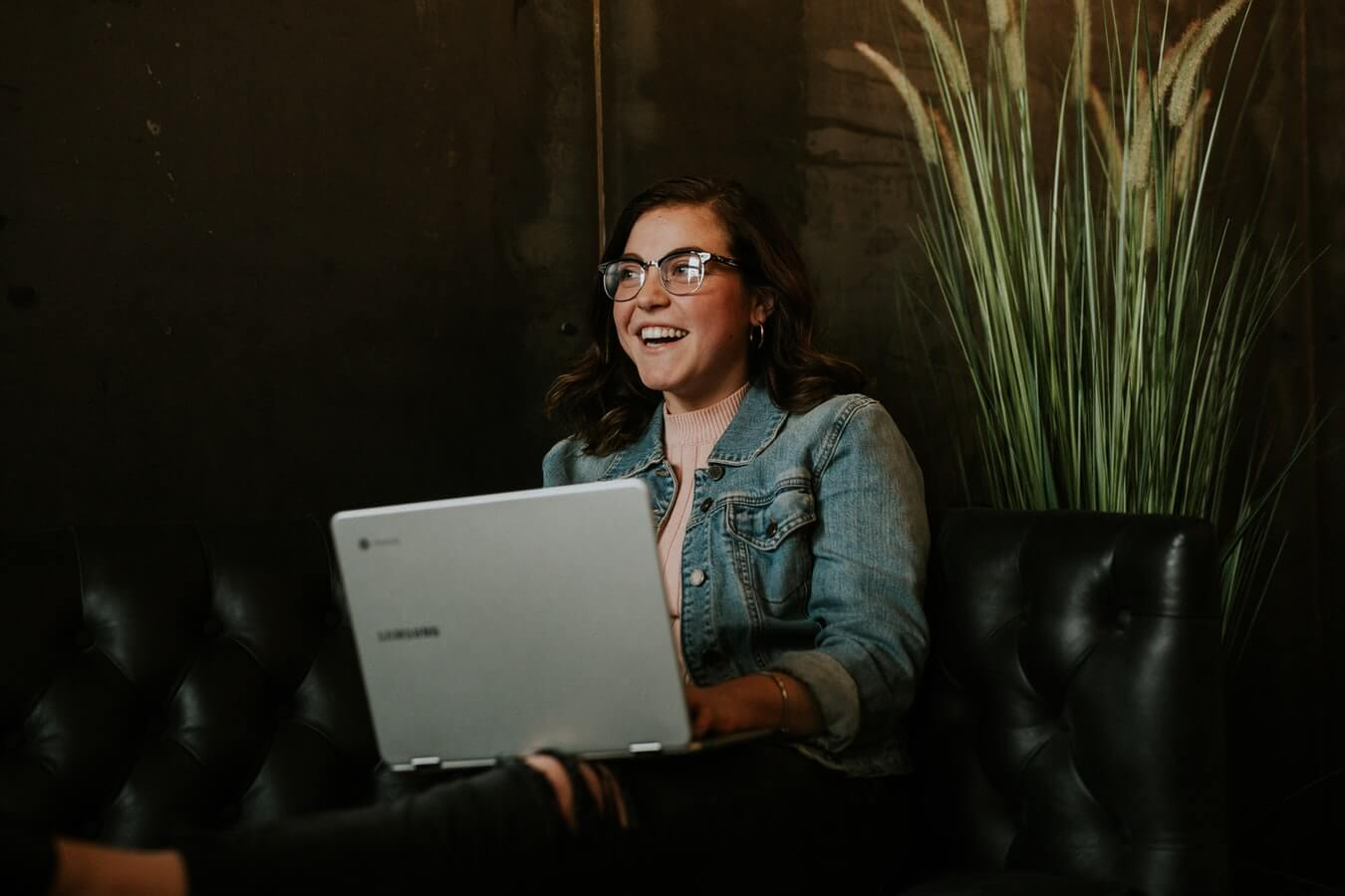 Woman playing a virtual team-building game