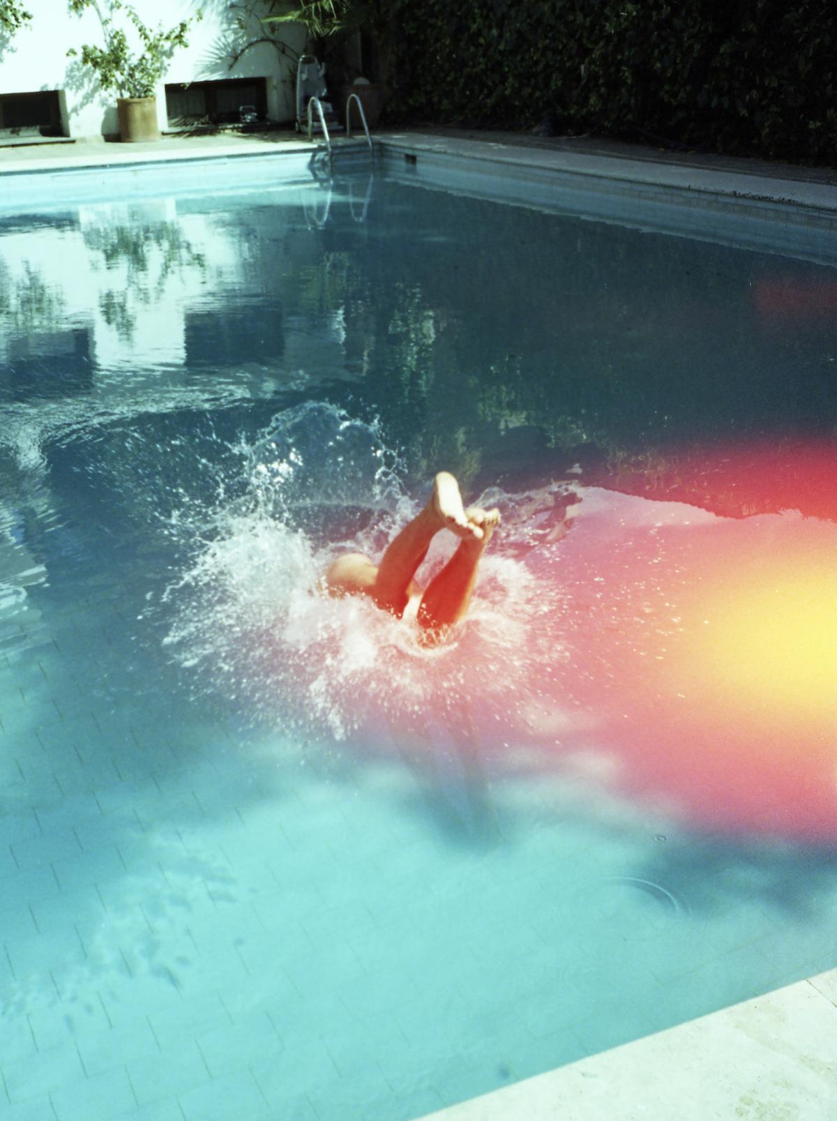 Hop I poolen uden bekymringer, når du er ude at rejse og har Undo med som din rejsepartner.