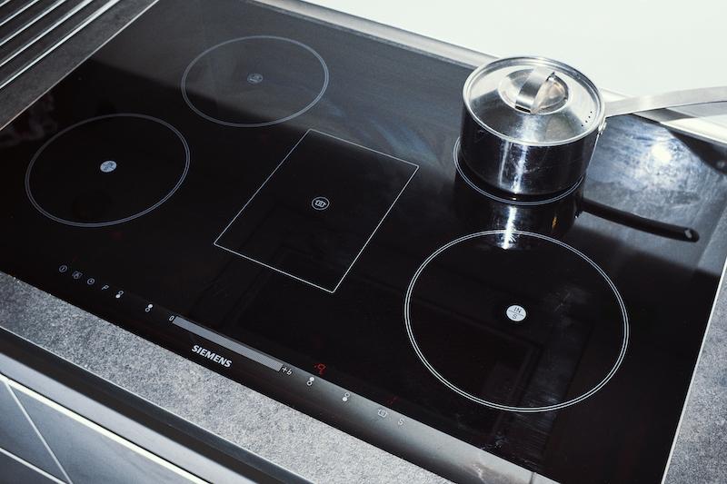 Glas og sanitet dækker f. eks, hvis du ødelægger din keramiske kogeplade, toilet osv.