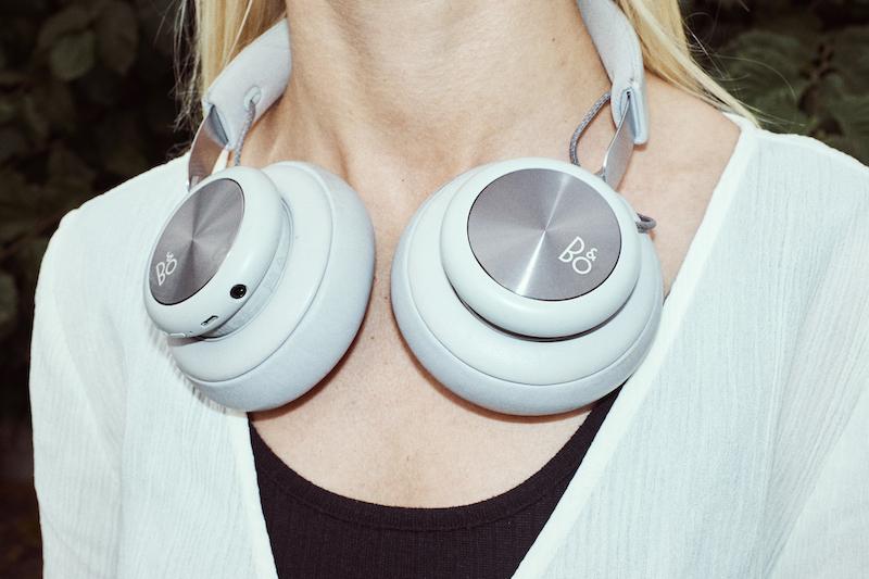 Der er mange dyre høretelefoner, og derfor kan det være fornuftigt, at tilkøbe en forsikring til dem.