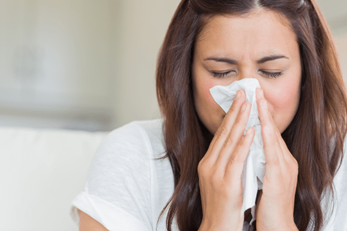 Airborne allergens and sinus issues are connected.