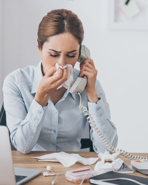 Sinus infection pain runny nose and chronic rhinitis symptoms