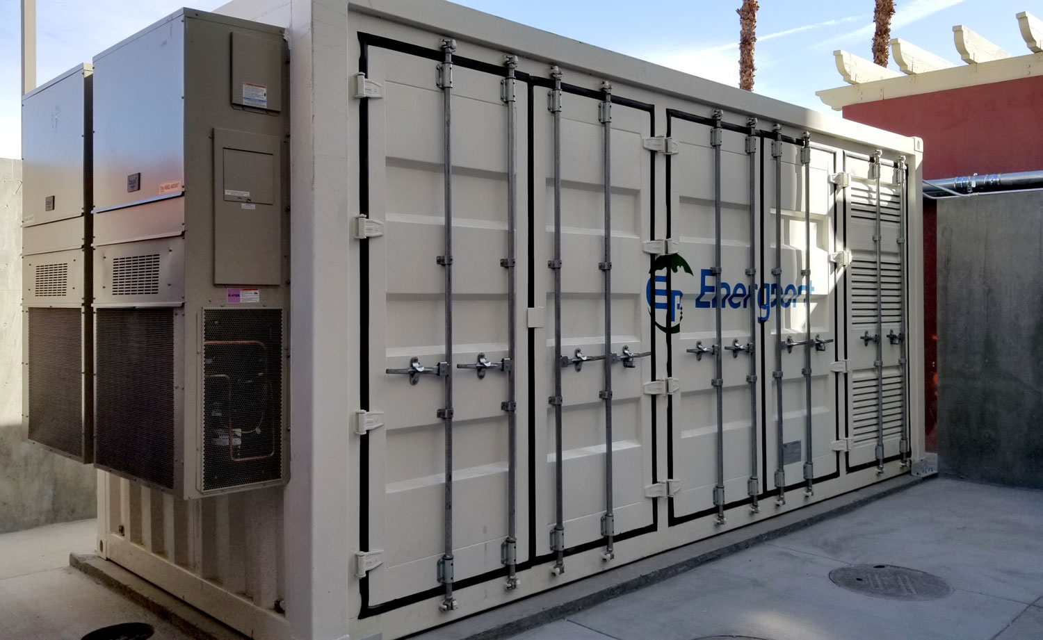 Aeterna Energy adds solar+storage system to California movie theater