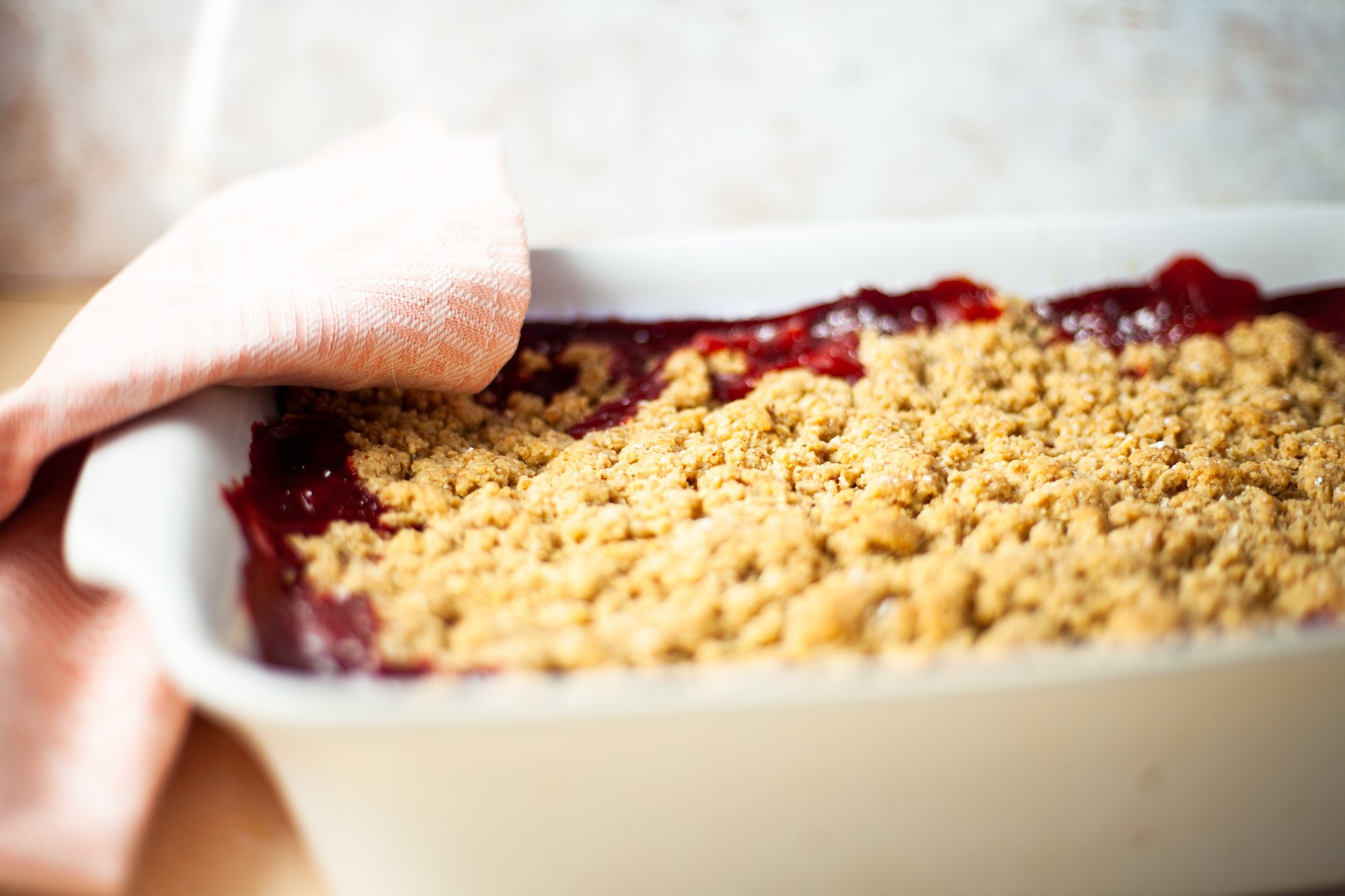 Vegan pear, strawberry crumble with ginger