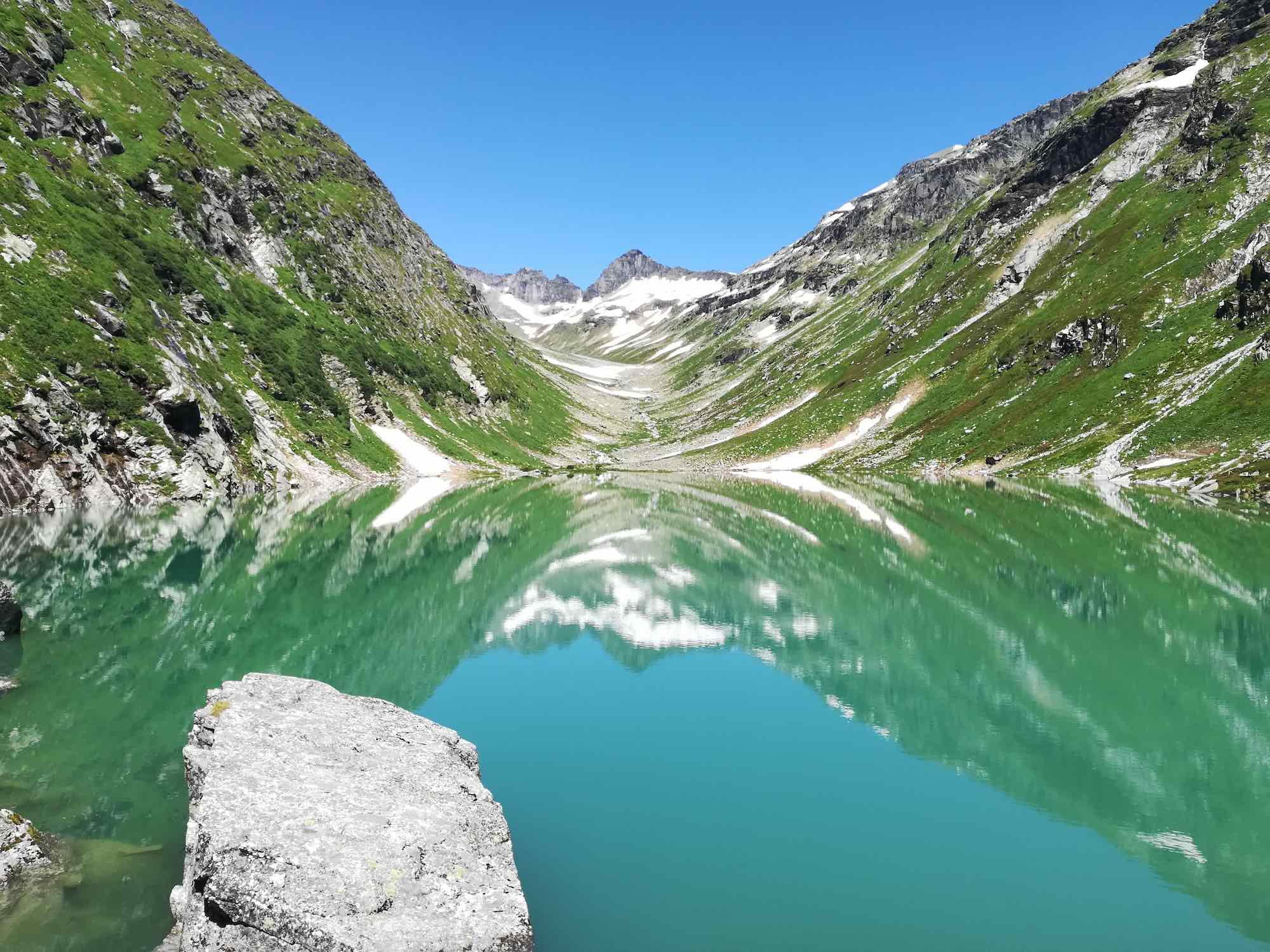 Glacier lakes in Austria for cold water swimming