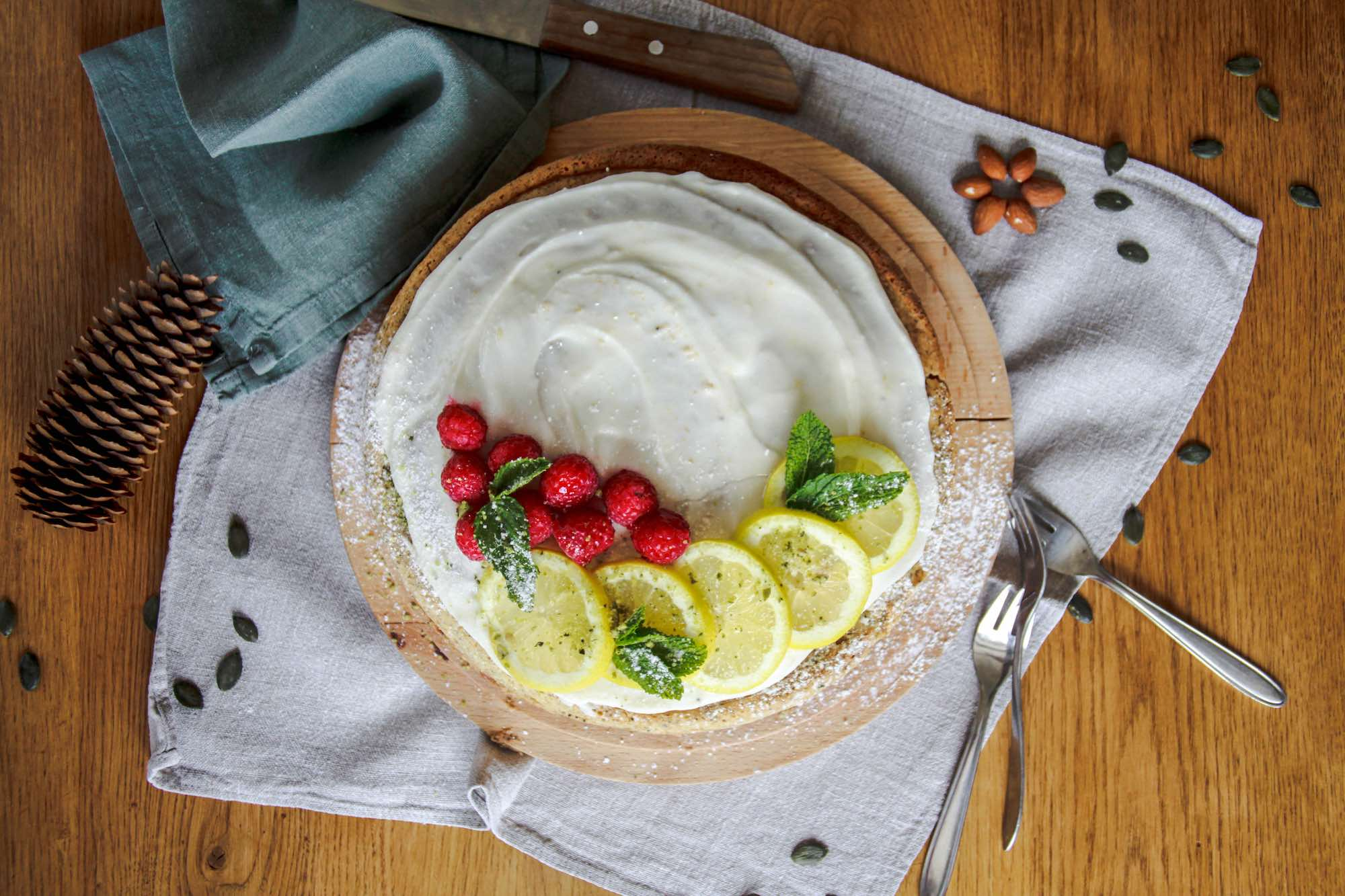 Vegan Lemon and Poppyseed Cake