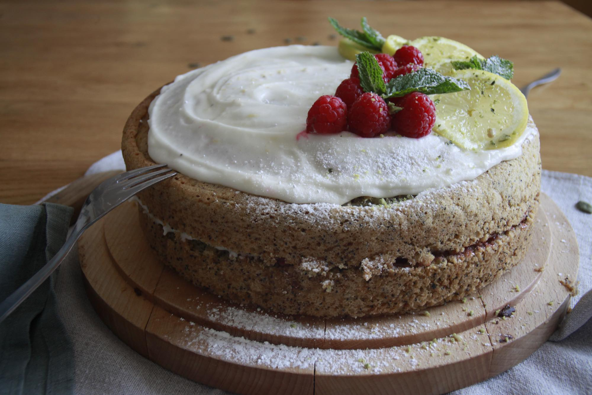 Vegan Lemon and Poppyseed Cake