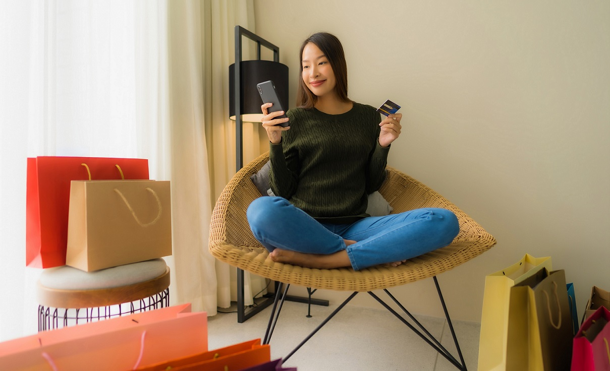 Digital Savvy Asian Shopping On Ecommerce