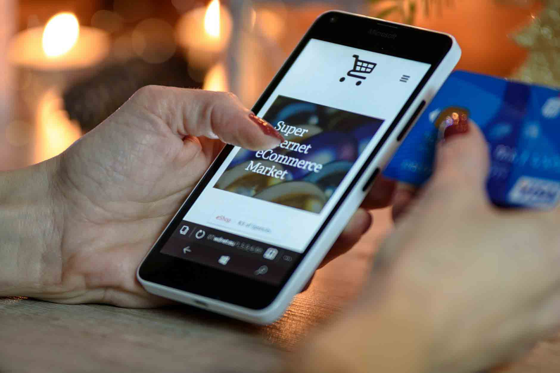 Mobile Phone Ecommerce Speed and Convenience