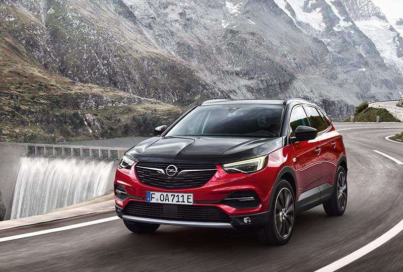 """""""Es sind Zwillinge!"""" Opel und VELOCITY McCANN launchen den neuen Grandland X Hybrid4"""
