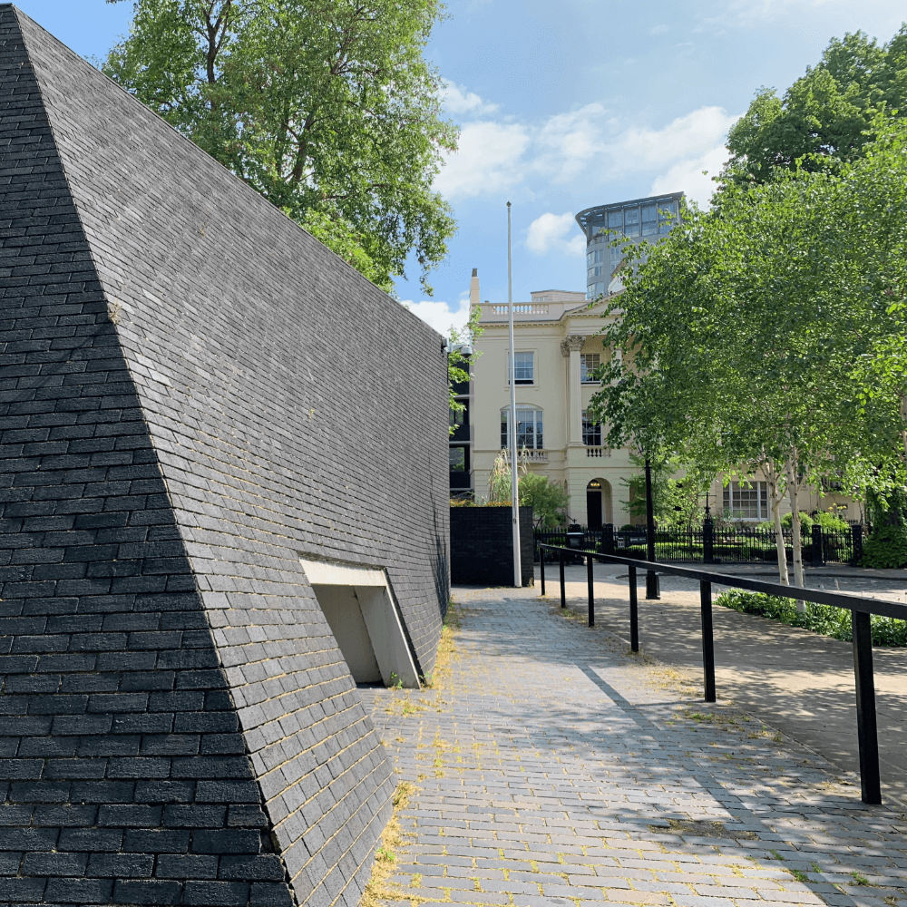 London Core Review - Royal College Of Physicians - Main Gallery - Picture 1