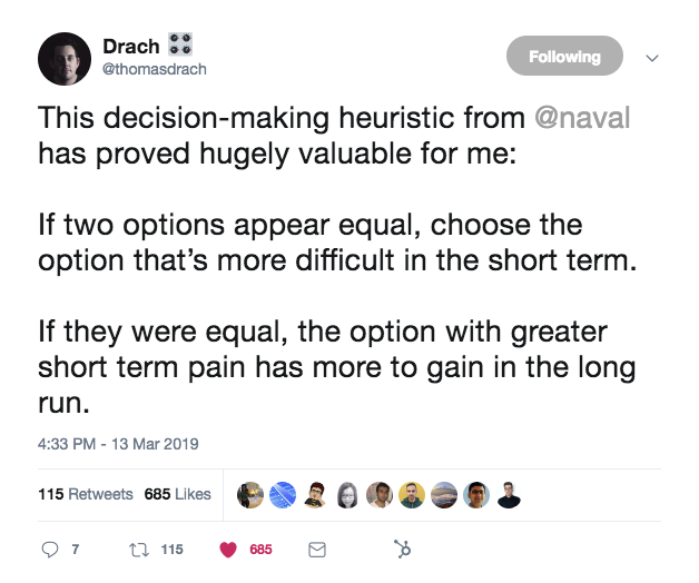 this is a tweet about decision making heuristic and how to choose between two similar options