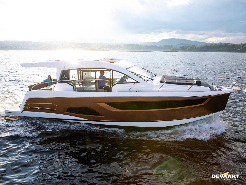 Sealine Yacht