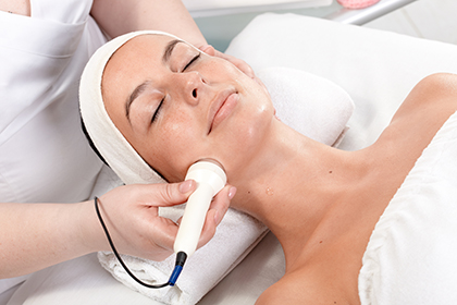 OxyGeneo™ 3-in-1 Facial