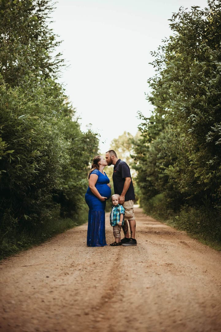 Kiss Family Best Wedding Photographer