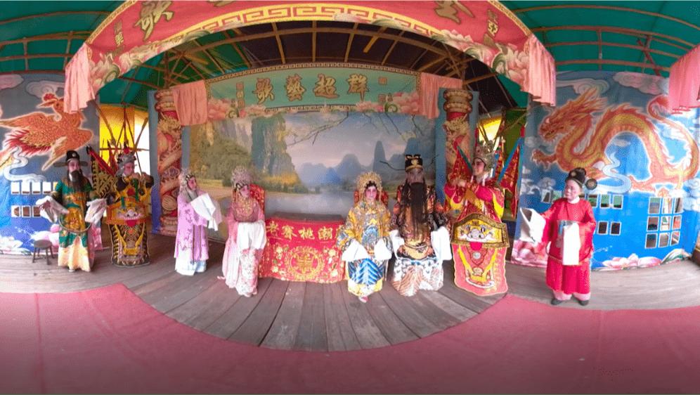The Chinese Opera backstage tour | Image via Hiverlab
