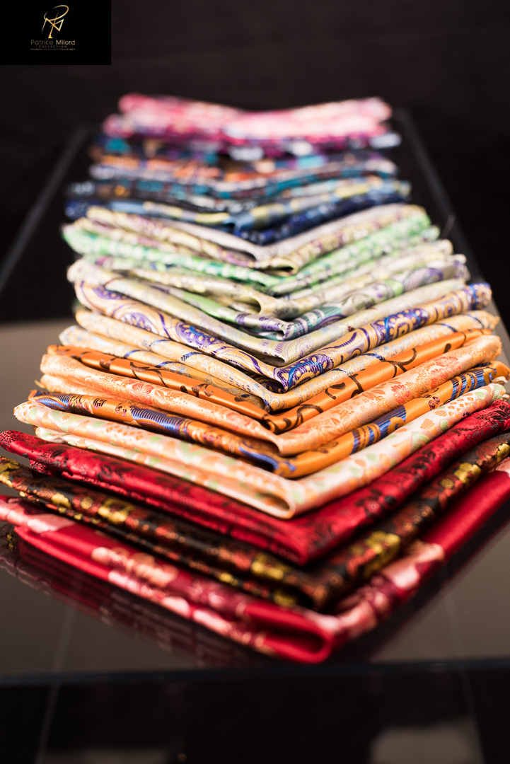 Accordion of pocket squares