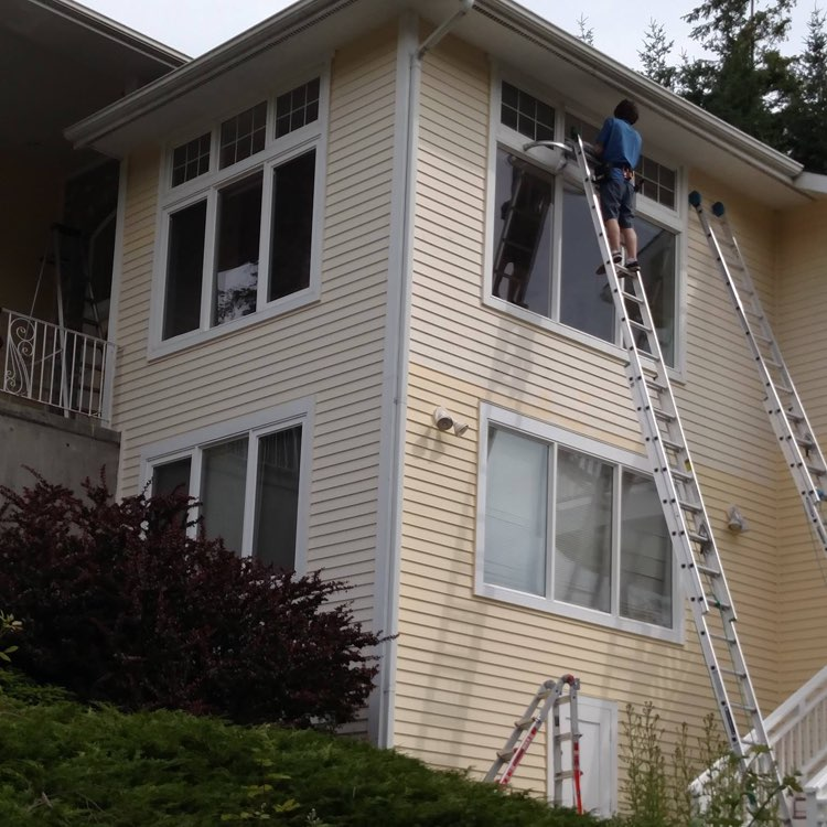 high-rise window cleaning in ferndale