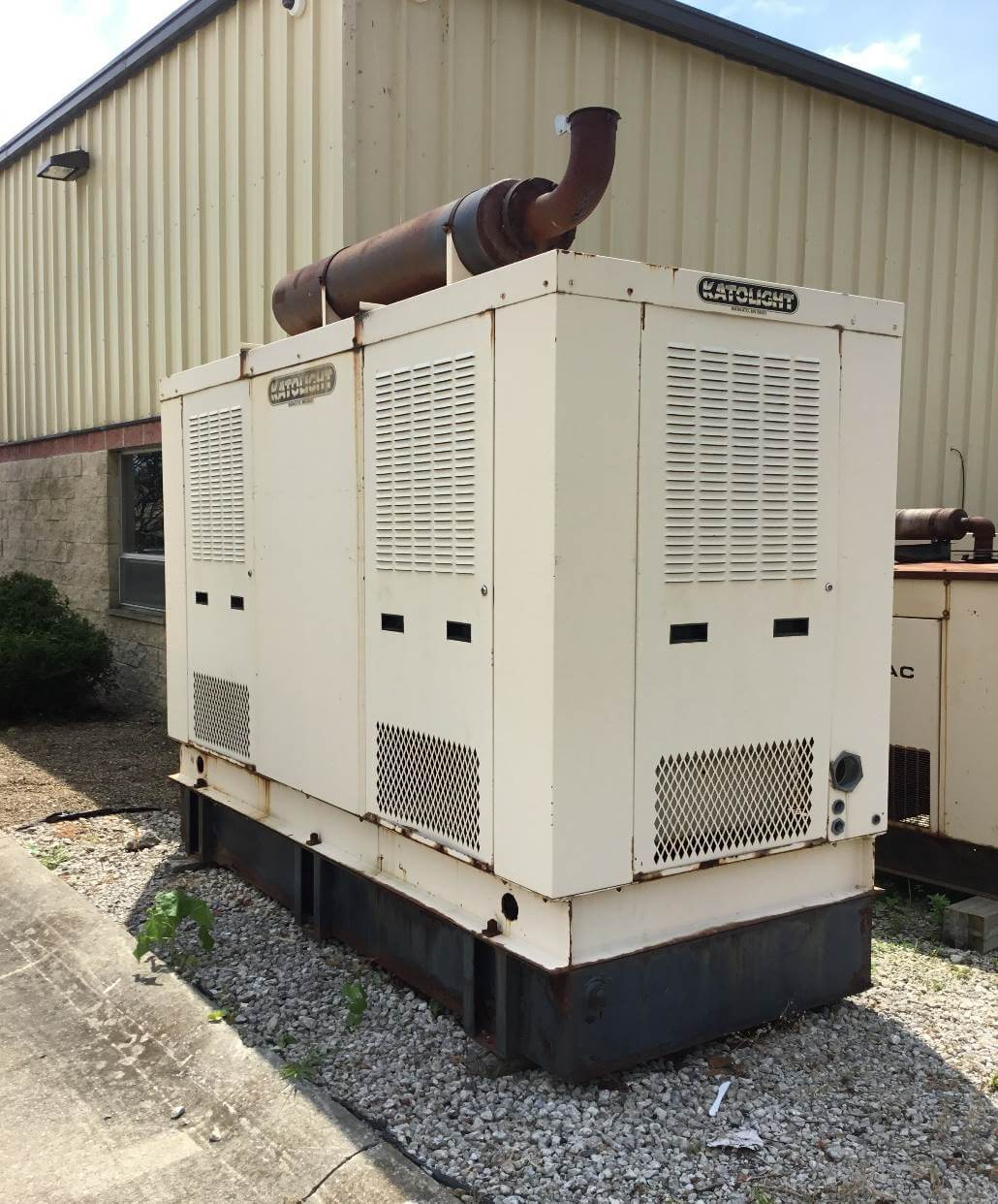 outdoor-generator-for-emergency-power