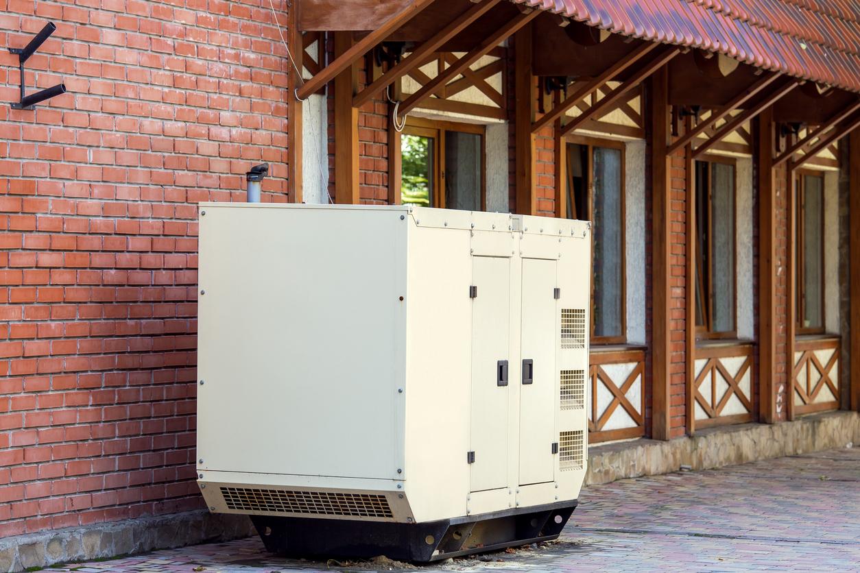 white-mobile-generator-emergency-power