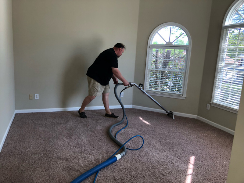 Move-in carpet cleaning in Monroe, GA