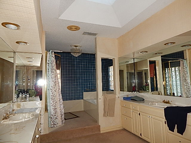 Custom Home with 2 Large Shops 6
