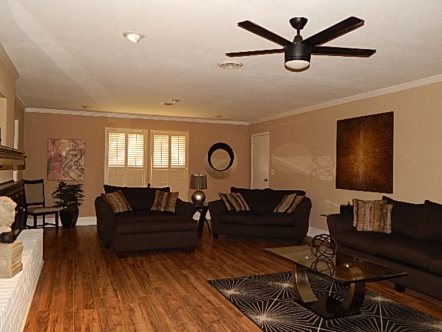 Close to Shopping and Schools Living Room