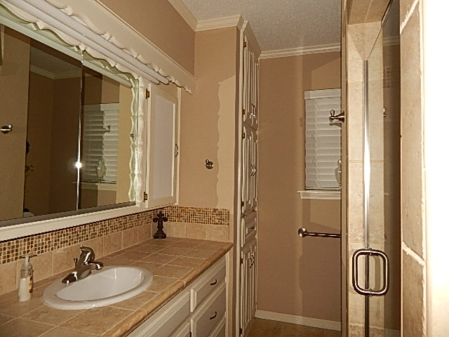 Close to Shopping and Schools Master Bath