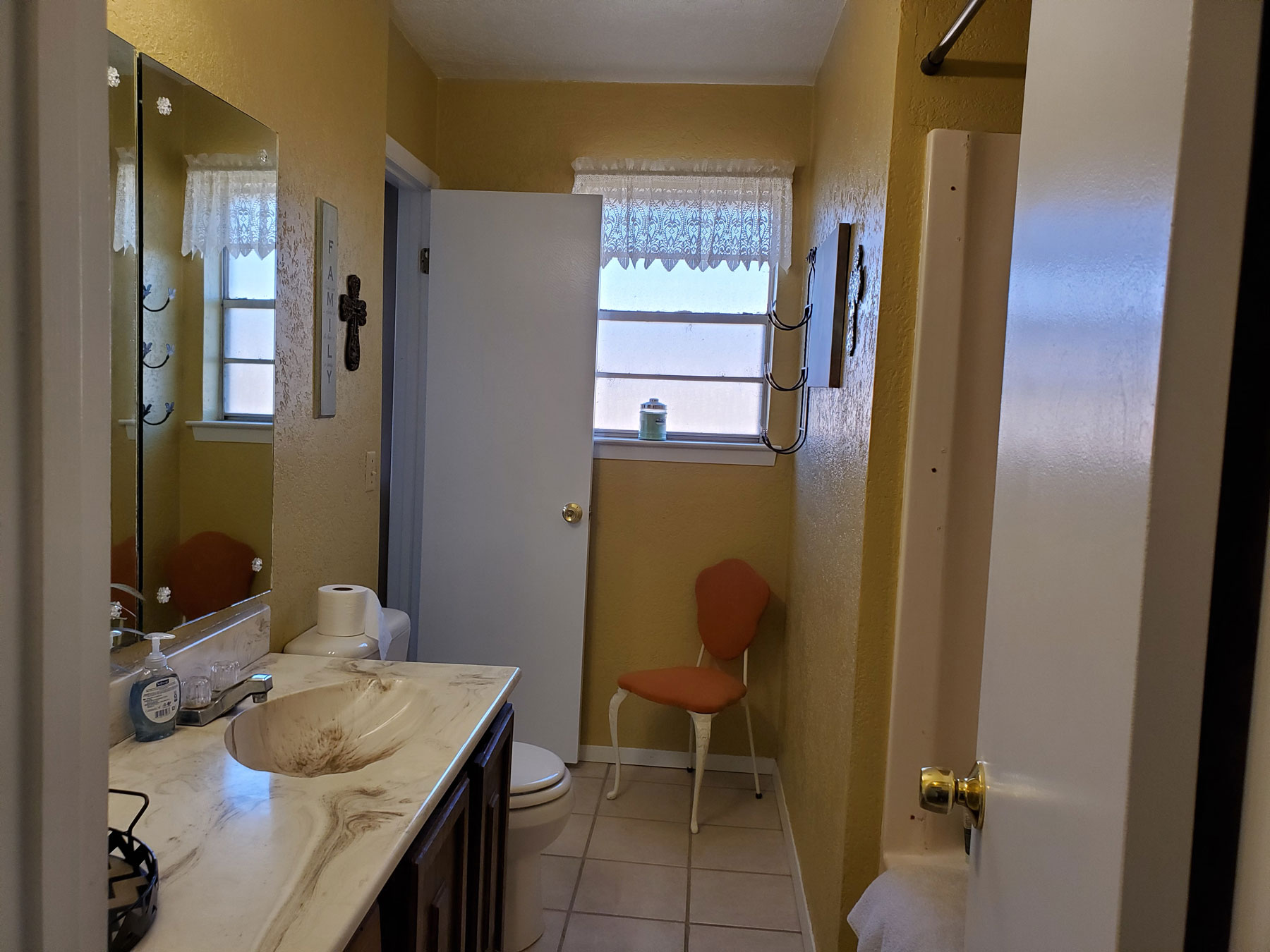 Right on the Corner Bathroom-1