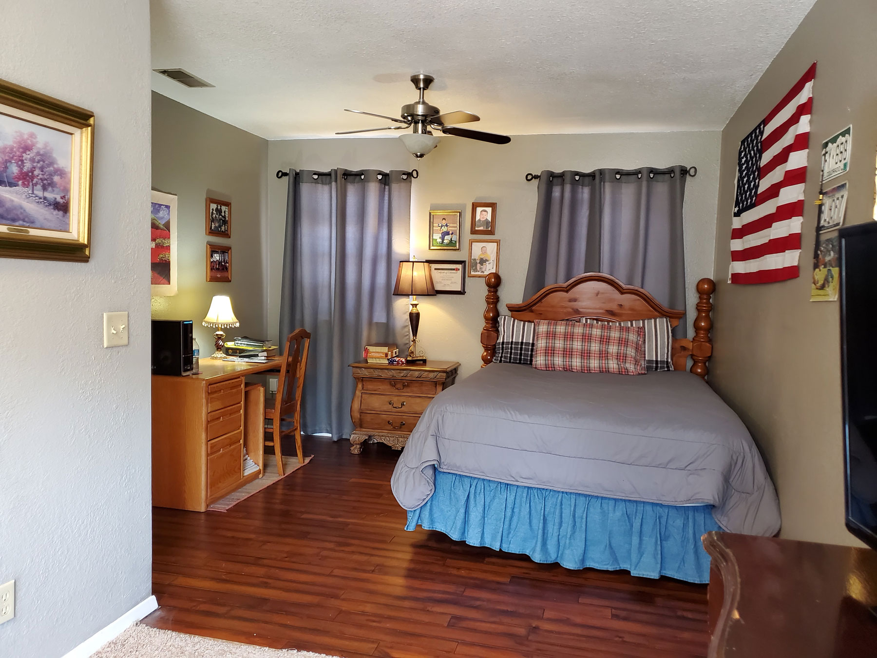 Right on the Corner guest-bdrm-2
