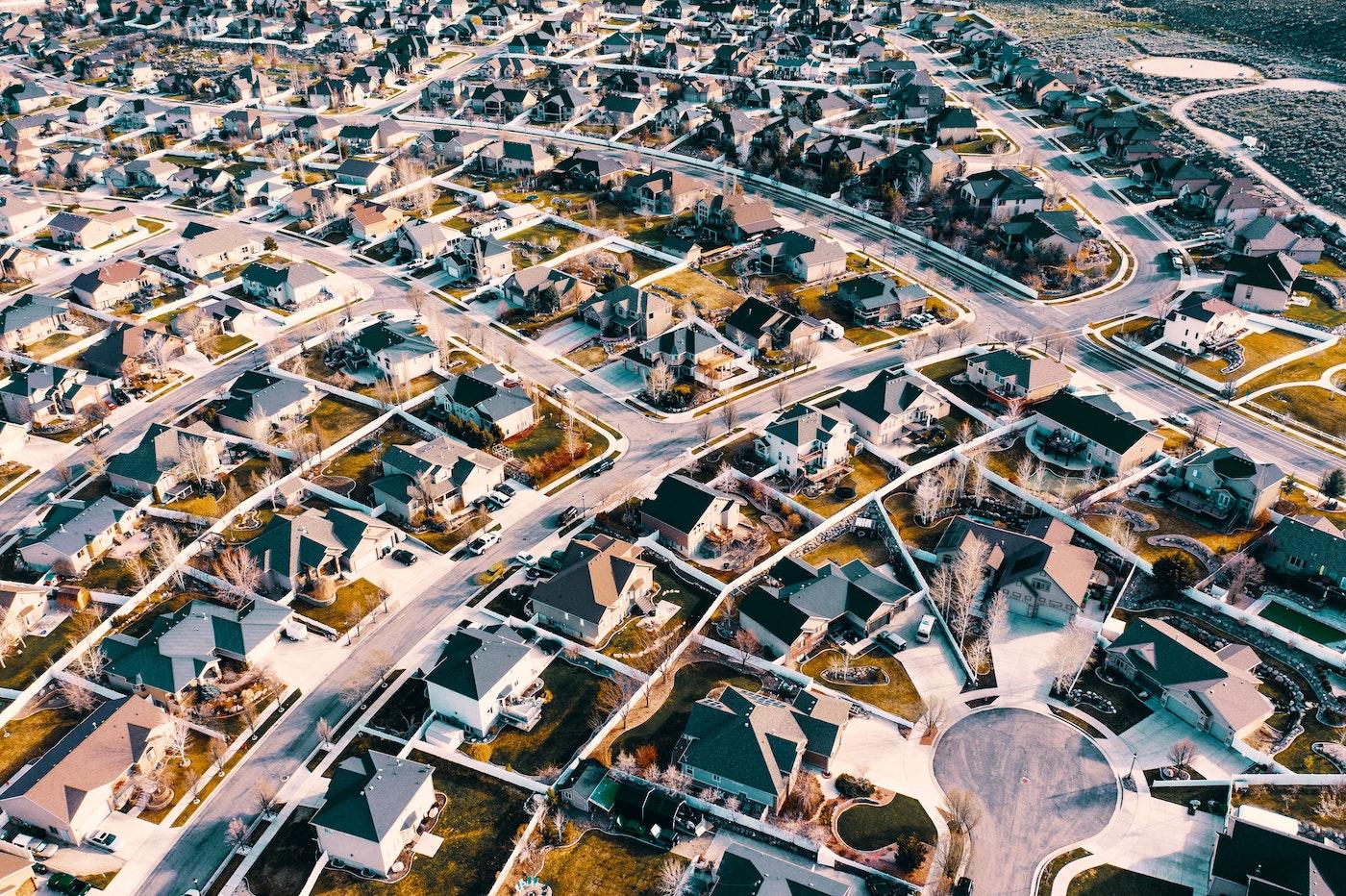 Luftfoto af en amerikansk forstand i morgenlyset